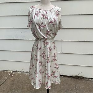 Vintage 70s JCPenney cherry blossom pleated dress